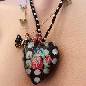 Betsey Johnson lucite floral heart charm necklace